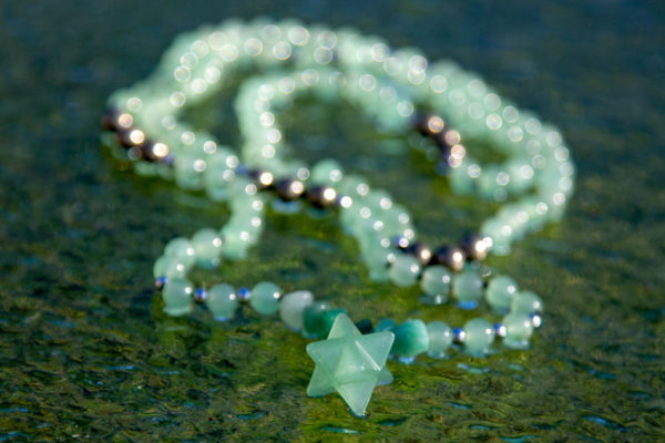 Spiritiuelle smykker: AVENTURIN MALA MED PYRIT