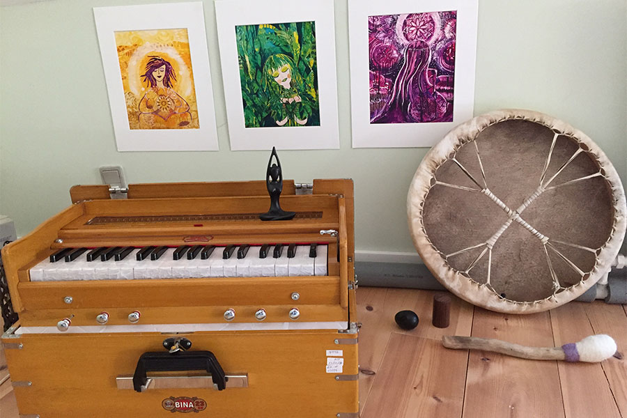 Kirtan aftener hos Joyful Living